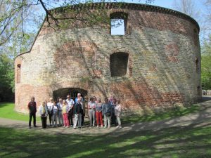 Foto der Gruppe am Zwinger